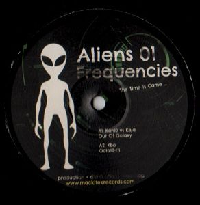 cover: | Aliens Frequencies 01